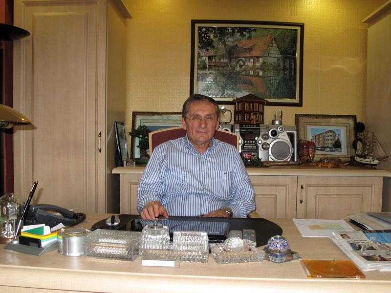 Düzköy İlçesi, Bağlı Köyleri Kalkındırma ve Yardımlaşma Derneği Başkanı<br /> Mustafa Demir<br /> İnşaat Mühendisi